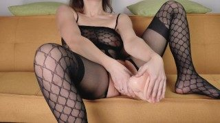 NyanSally – I Put In A Huge Dilda In My Meaty Pussy