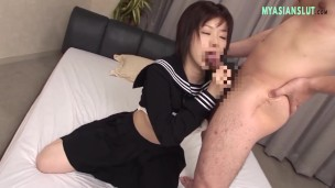 SHORT HAIRED BRUNETTE WITH HAIRY PUSSY
